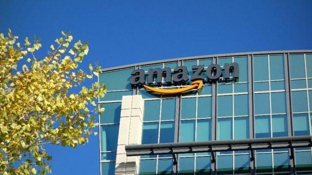 Amazon: tenaga kerja manusia akan selalu dibutuhkan