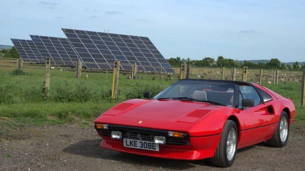 Mesin Tesla membuat Ferrari klasik melaju lebih cepat
